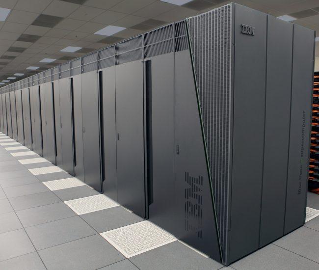 airport-center-computing-236093